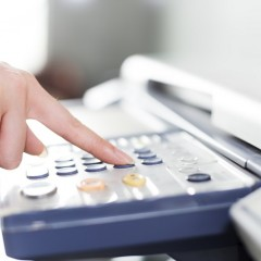 ¿Qué es lo más básico que le puedo pedir a una fotocopiadora multifunción a color?
