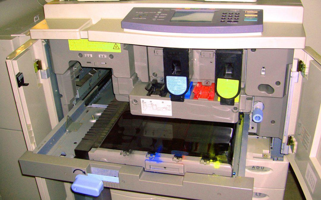 ¿Cuáles son las partes principales de una fotocopiadora de oficina?