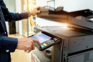 Impresora-multifuncion-AdobeStock_208570232